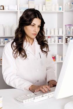 Pharmacist_Using_Technology
