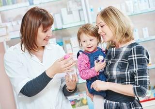pharamacist-child-medicine-choose.jpg
